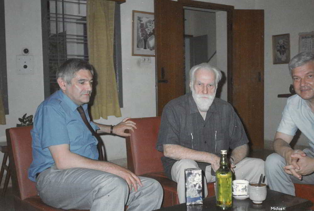 с великия Николай Рьорих, в дома му в Бангалор